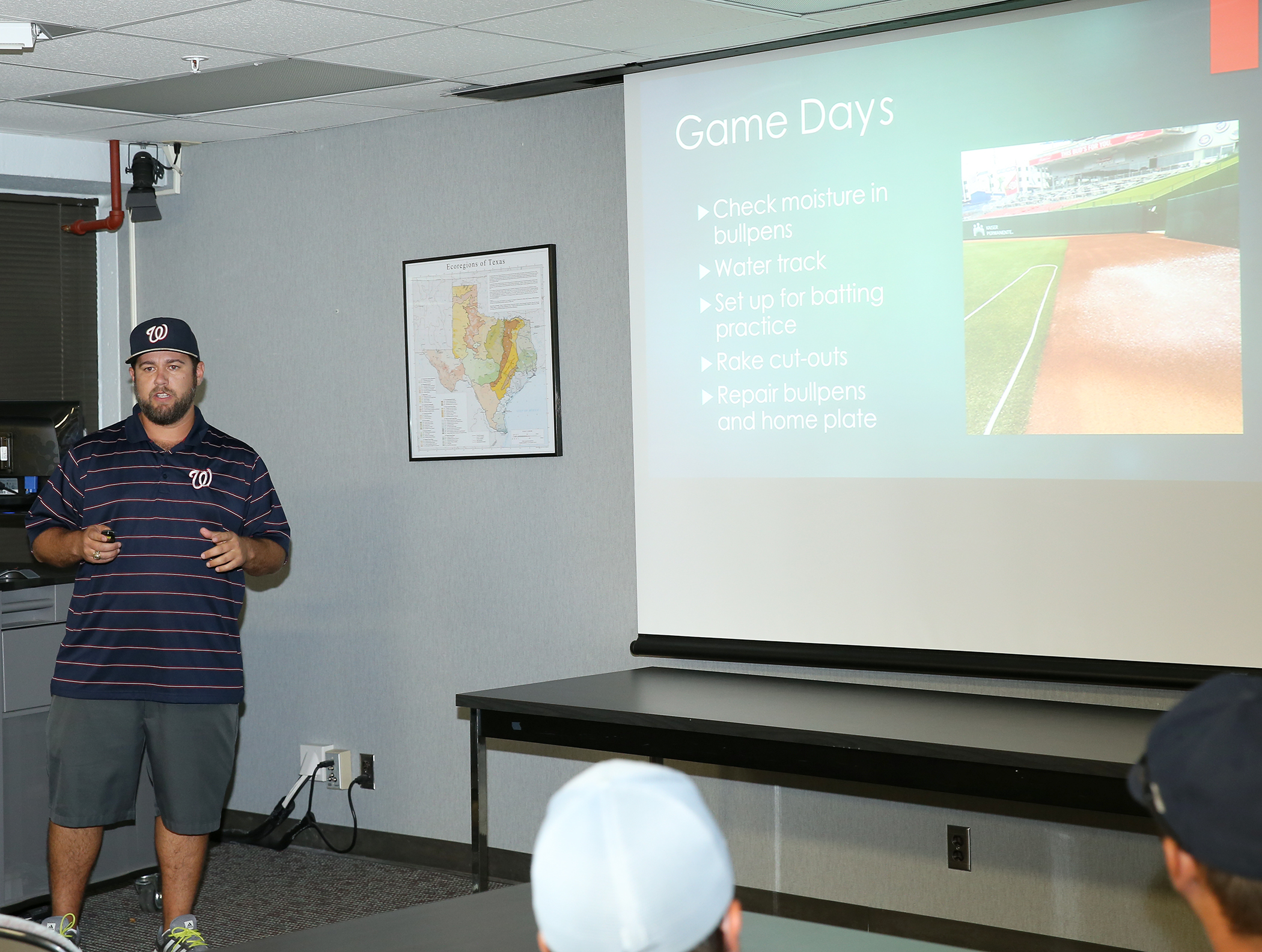 SCSC Turfgrass Science major students shared internship experiences